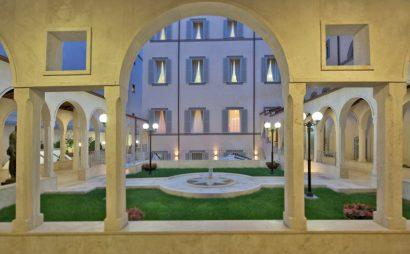 L'hotel Domus situato in una perfetta posizione romana