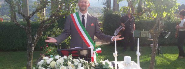 Cerimonia civile o cerimonia simbolica ?