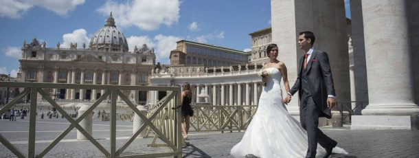 A Destination Wedding Celebrated in the Vatican City