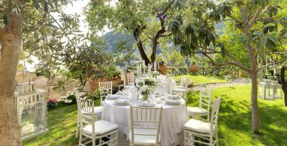 SAY YOUR VOWS IN FRONT OF THE BACKDROP OF THE GLISTENING MEDITERRANEAN