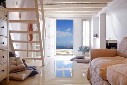 Santorini: the island of Love
