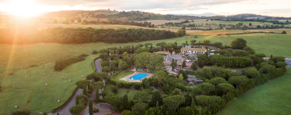 Live Your Wedding in a Grandiose Domain in The Heart of Nature