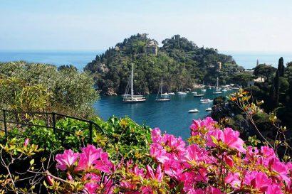 Mariage à Portofino, en Italie, signifie un mariage d'élégance, de beauté et de finesse.