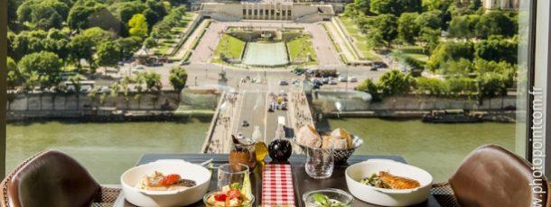 Una cena nel monumento più emblematico di Francia