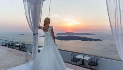 Il matrimonio idilliaco a Santorino